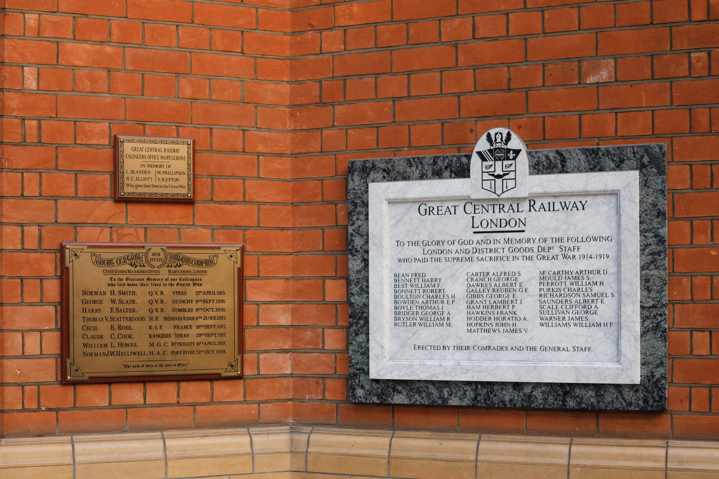 There are two memorial plaques at Marylebone Station to those who had worked on the railways.