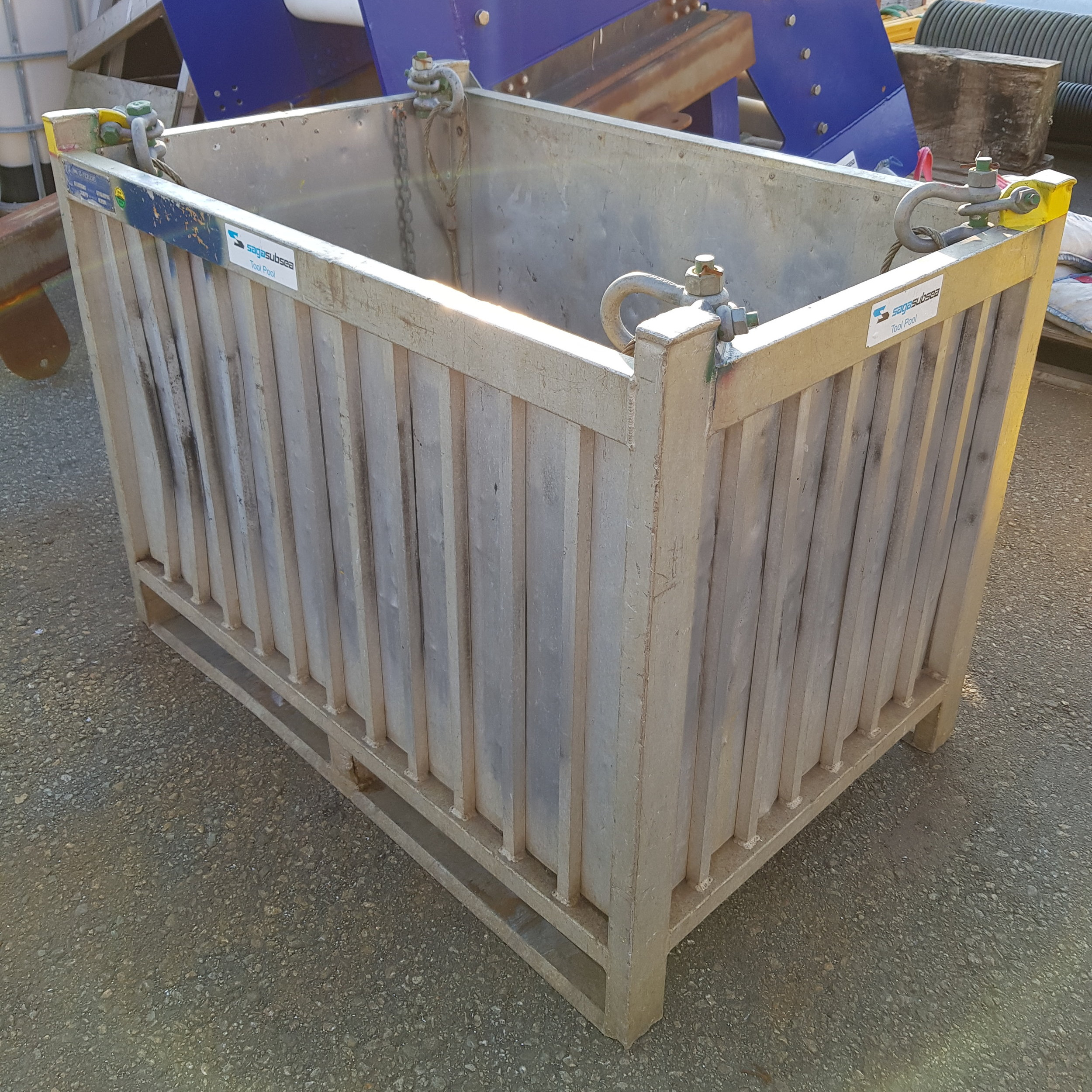 pallet basket small