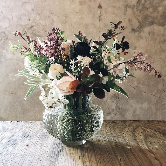 The result of a lovely flower arranging workshop @trill_farm with @champernhayesflowers and @ramblingroseflowers this weekend. We foraged for the wonders that are found in our very own hedgerows and had the pick of an array of beautiful locally grown flowers to add to the mix. Creating makes me so happy! And a good reminder that you should never stop learning ❤️ I'm just finishing off the bank holiday weekend with a cream tea...yes at 7pm! Have you had a good one?
