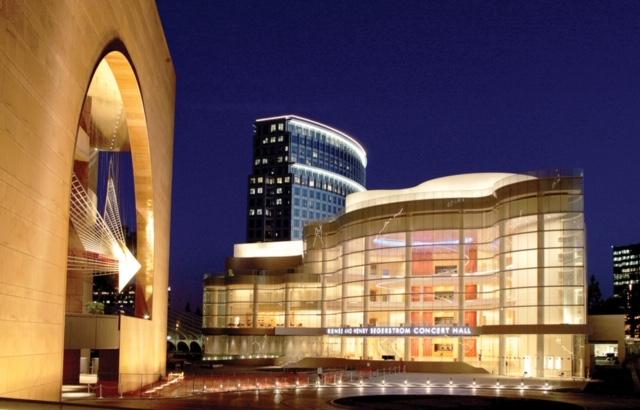N Las Vegas City Hall - Whiting Turner.jpg