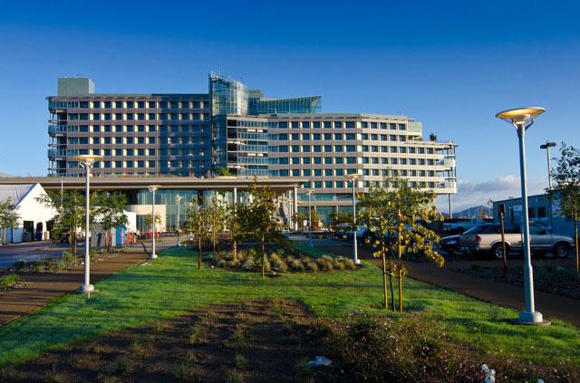 Palomar medical center west -