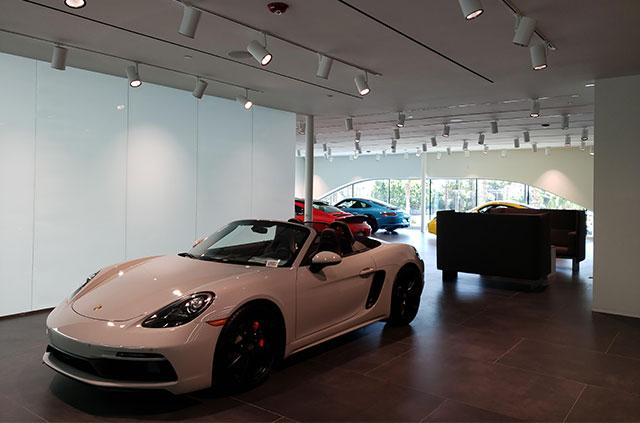 Porsche_3.jpg