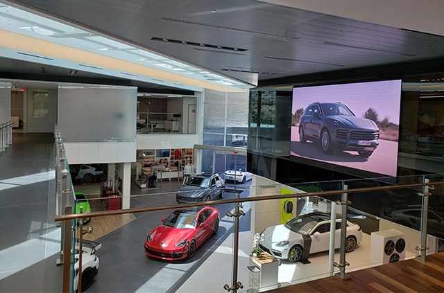 Porsche_2.jpg