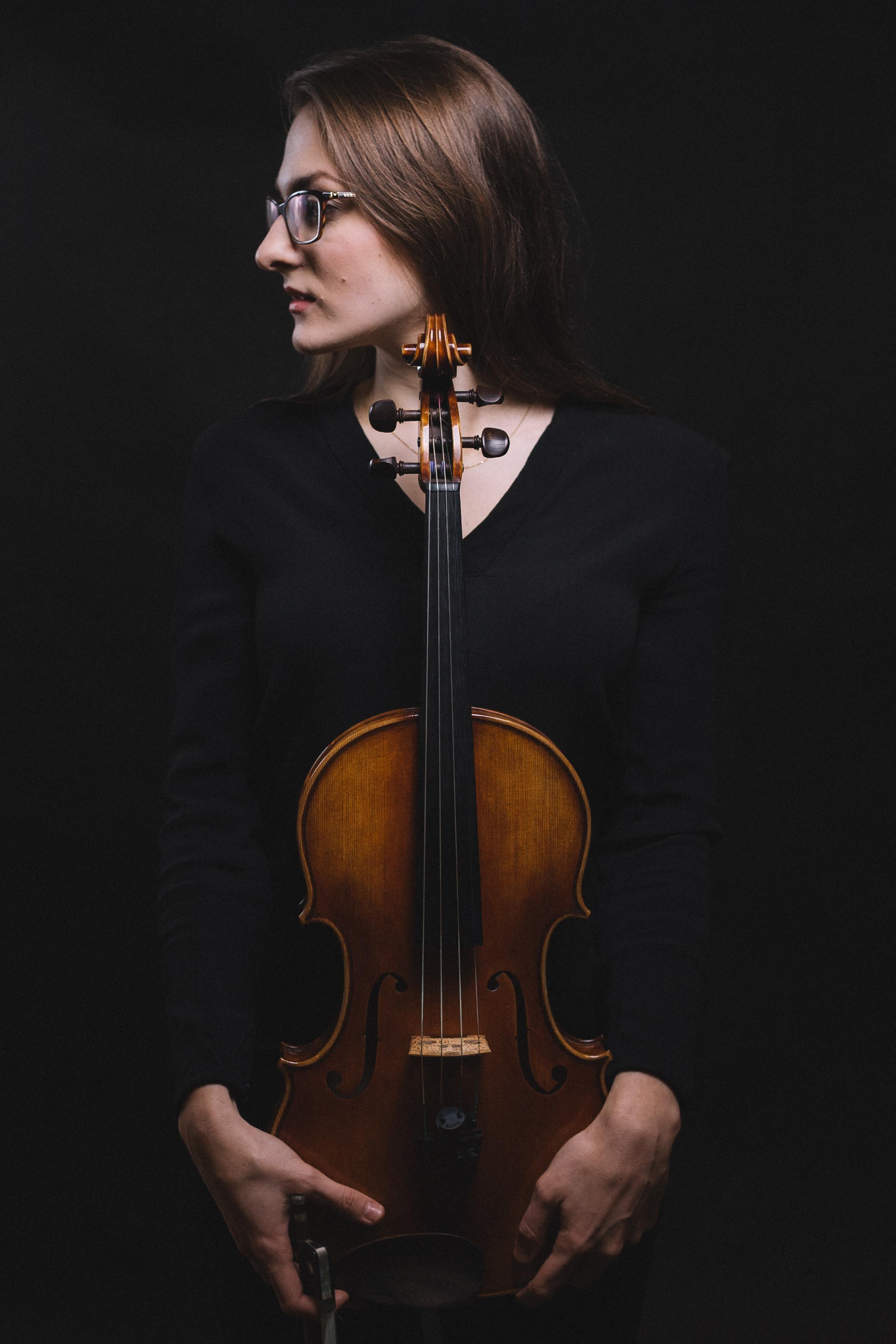 Anna Krzyżak - Violist