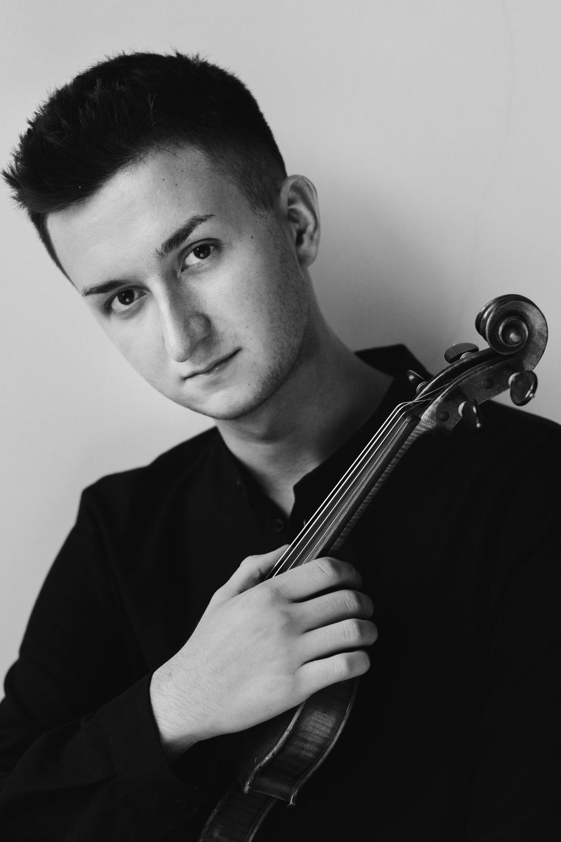 Bartłomiej Fraś - Violinist