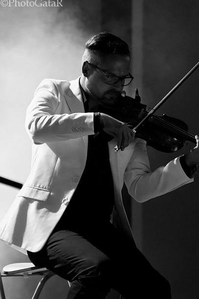 Michał Kwaśniak - Violinist