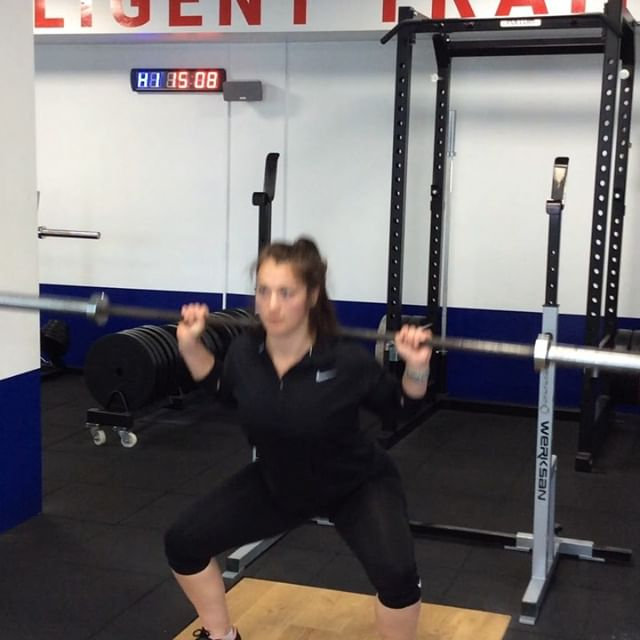 Strength Training for Runners ⠀ Programme Aims ⠀ 📌 Increase Lower Limb Strength (Double and Single leg) 📌Ankle and Knee Stability 📌Trunk Strength 📌Improve Posture ⠀ 1️⃣ Back Squat 3 sets of 8 reps (3x8) 2️⃣ Step Ups 3x8 each leg 3️⃣ Stiff Leg Deadlifts 3x8 4️⃣ Push Up to Fly 3x8 altogether  5️⃣ 4 Point Stabilisation (Front Plank, Side Plank and Lying Hip Extension) 3x30seconds ⠀ Use a load that is challenging towards the last few reps yet you can still perform the movement with correct form.⠀ ⠀ Feel free to comment with any questions for our F.I.T coaches.⠀ ⠀ If you're a beginner runner and training for the Hexham Half Marathon, give our Facebook training plan a go.⠀ ⠀ @thehexhamhalf⠀ @achillesphysio⠀ ⠀ #strengthandconditioning #strength #running #strengthtrainingforrunning #gym #northeastgyms #newcastle #fitgosforth #gosforth #squat #fit