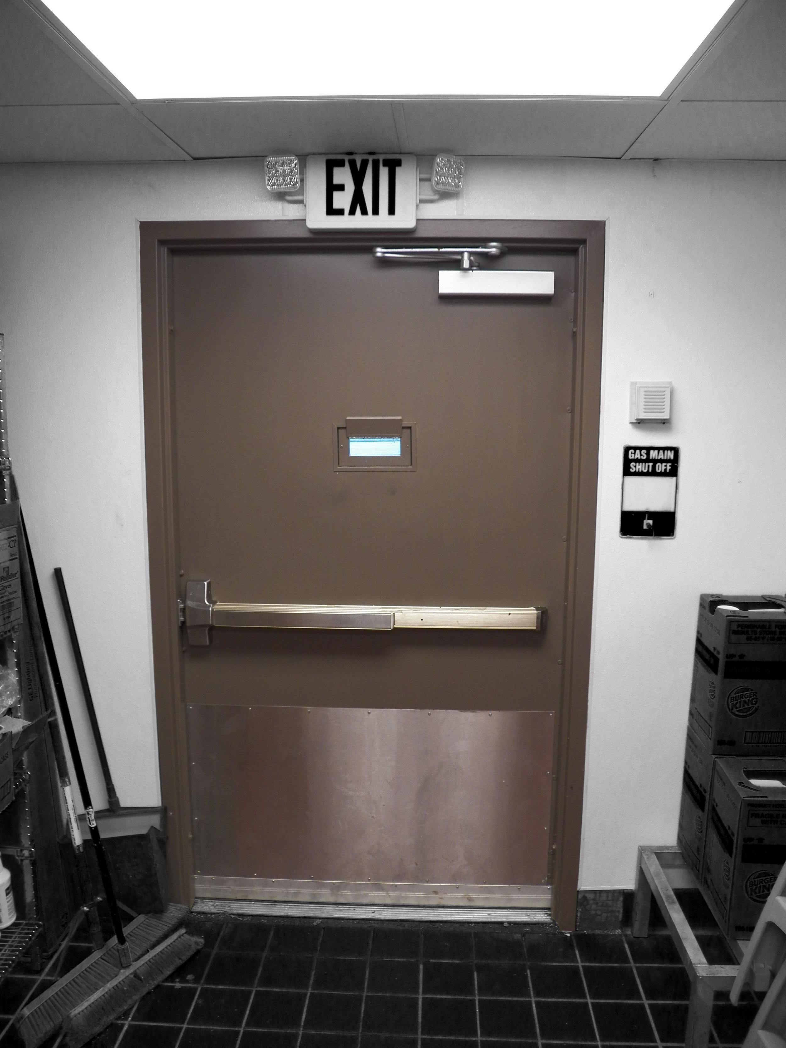 REAR DOOR - 1.JPG