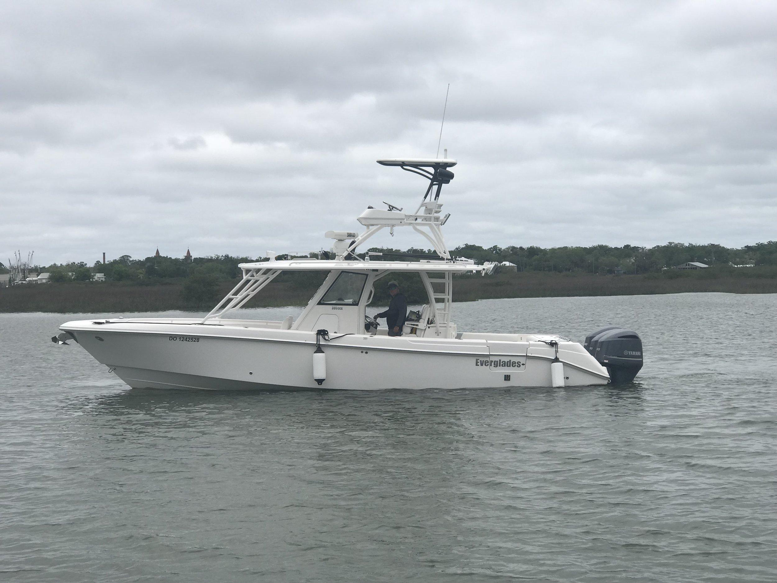 35ft Everglades luxury center console