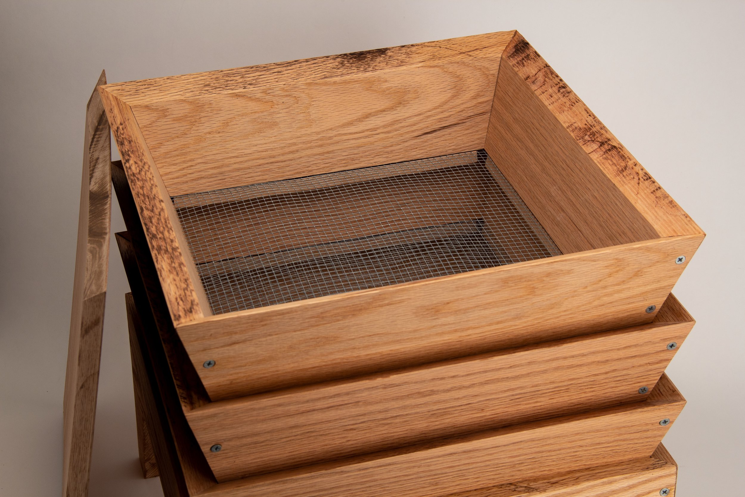 three-tier vermicompost
