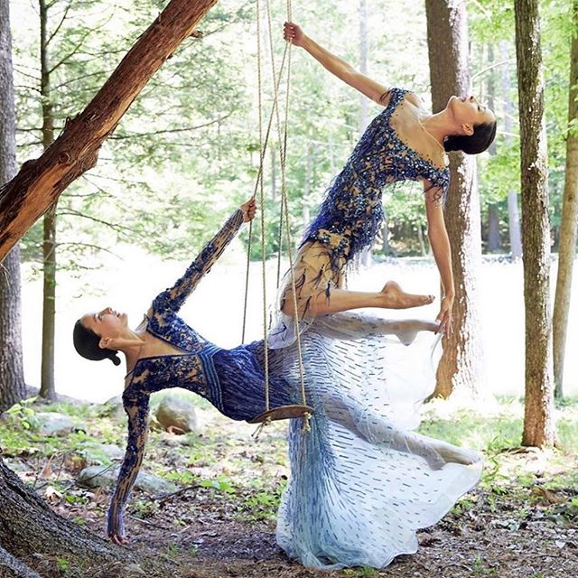 inspiration// Swinging away from summer… inspired by the graceful movement of the @chintwins and craftsmanship and color from @pamellaroland . . . #jordanalexanderjewelry #gowns #Fashion #harmony #Jainspiration #pamellaroland #yogis #dancers #flow