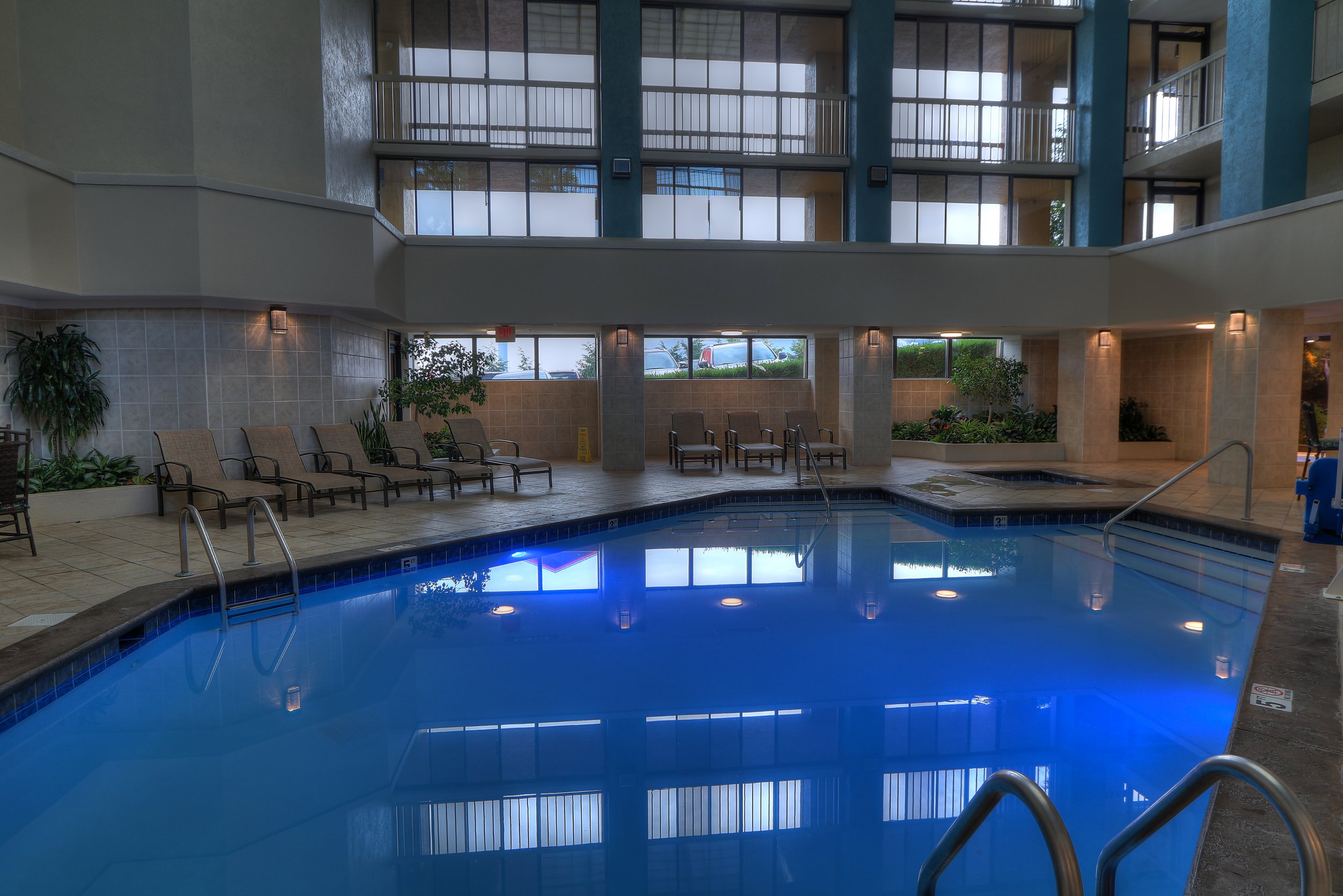 TN827 - Indoor Pool 1.jpg