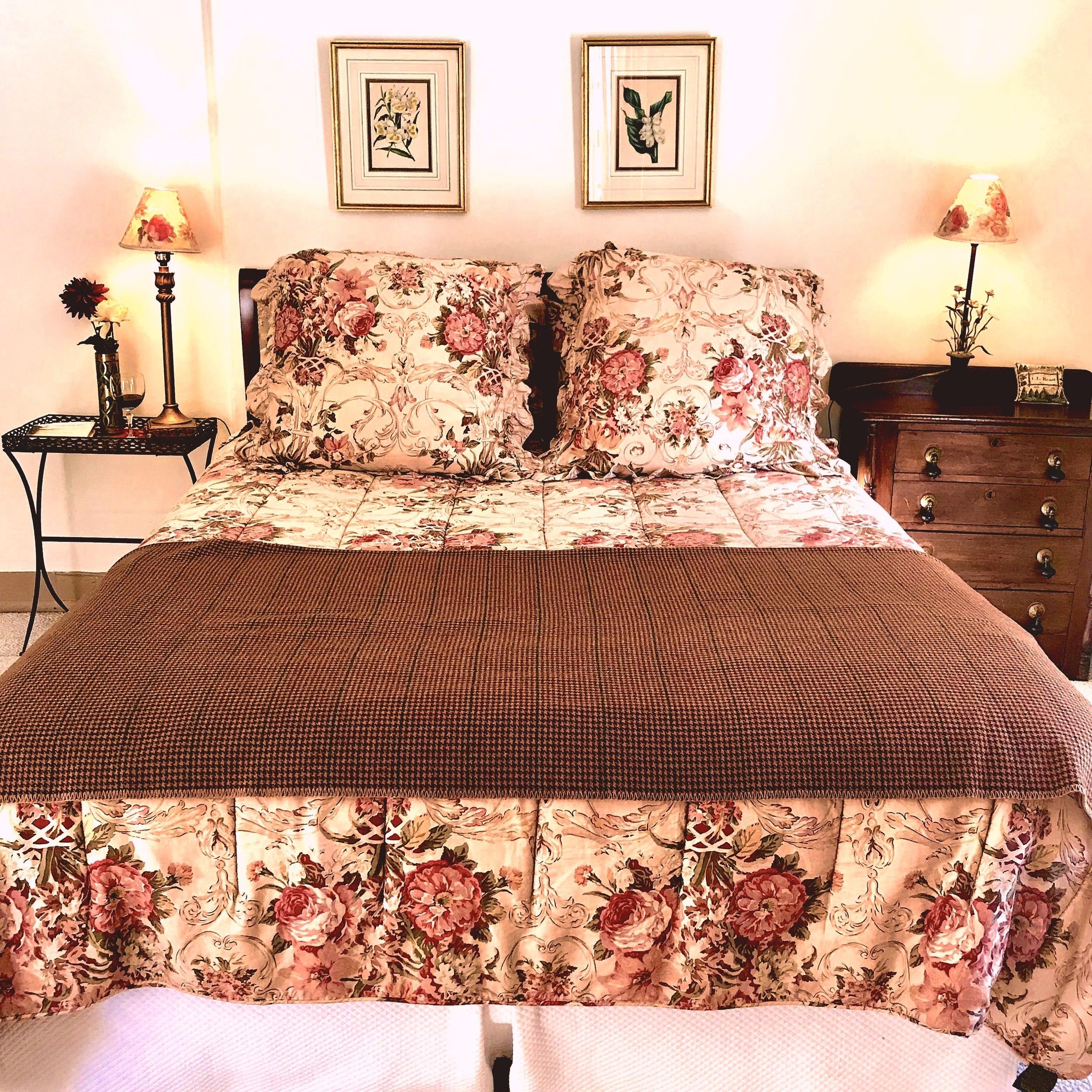 Room 3 bed.JPG