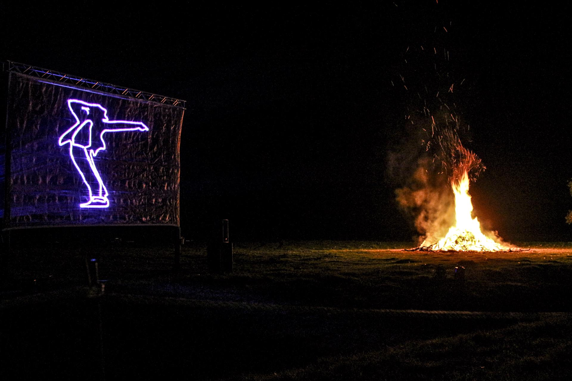hamptoncourtfireworks-32_32893170006_o-1920x1280.jpg