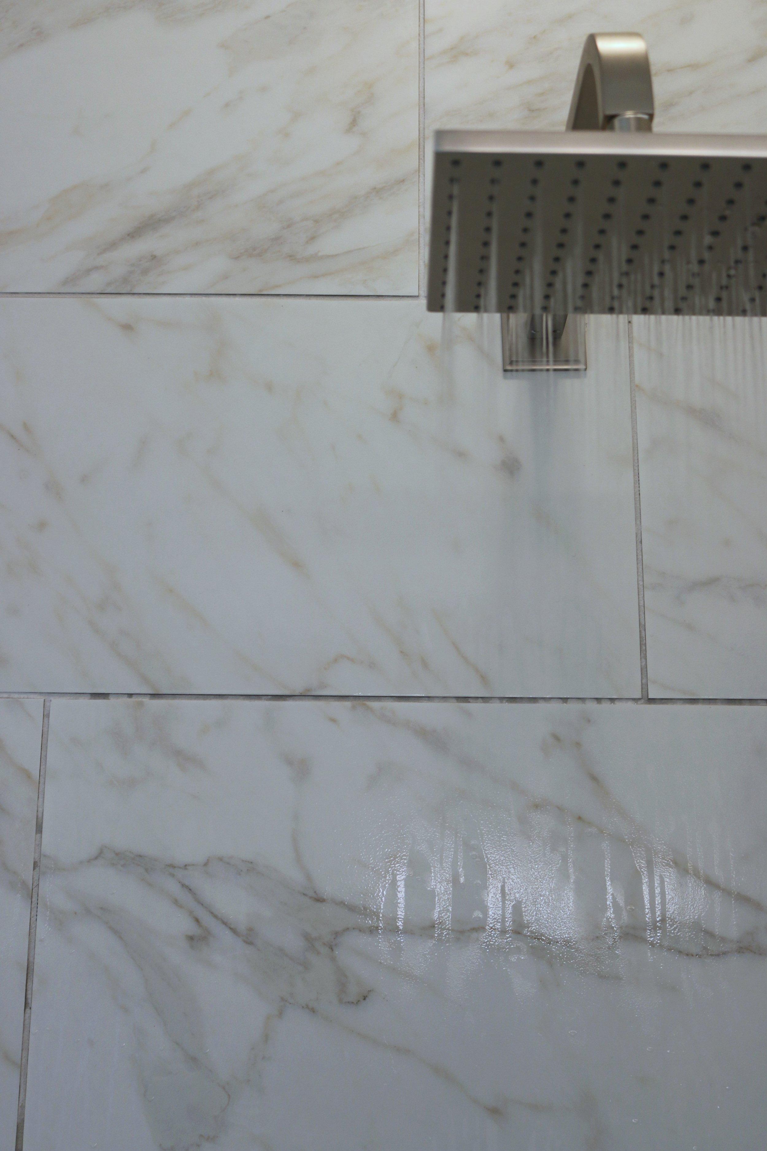 Bathroom R.jpg