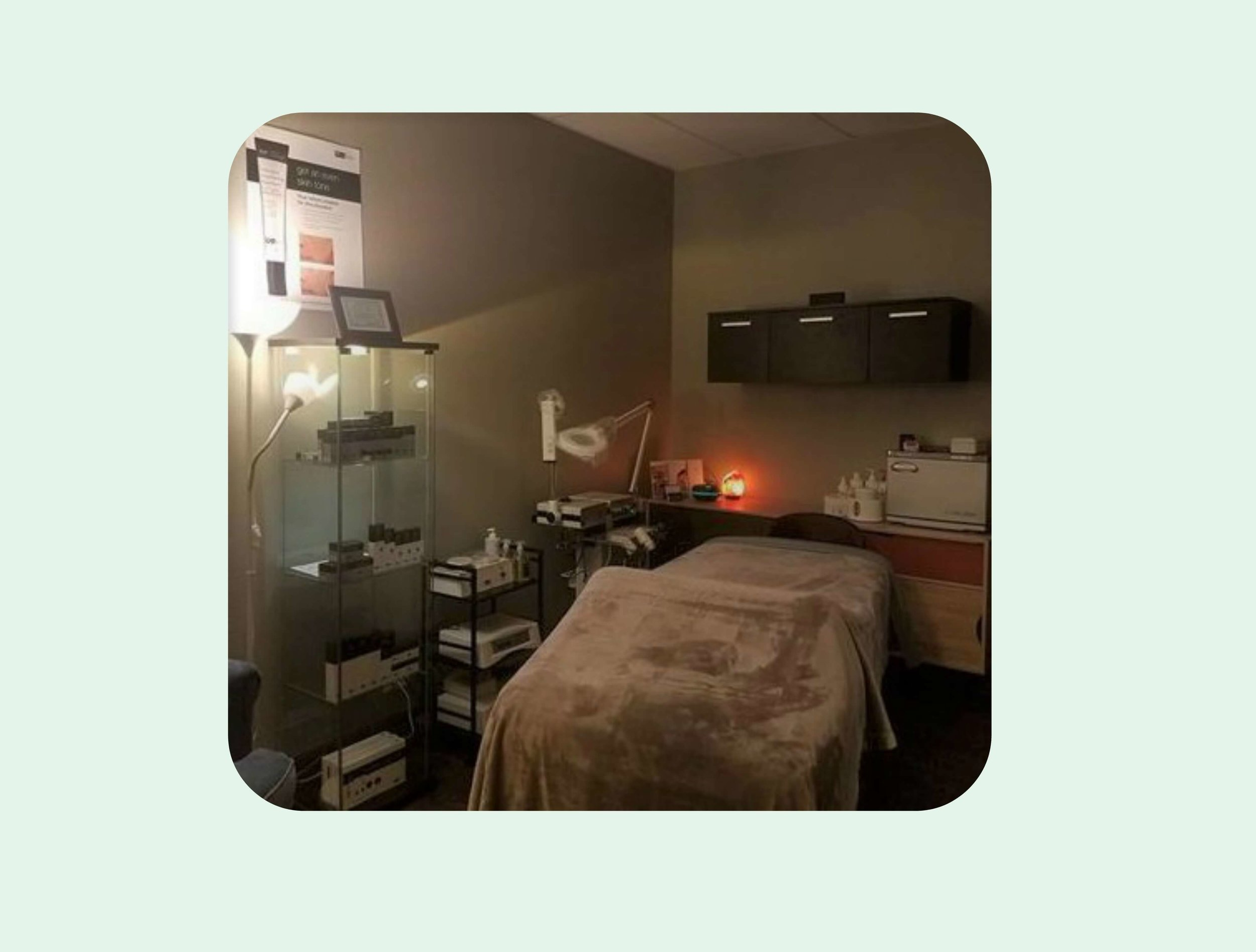Sweet Serenity Spa is specialized in waxing, sugaring, facials, chemical peels and lash lifts.