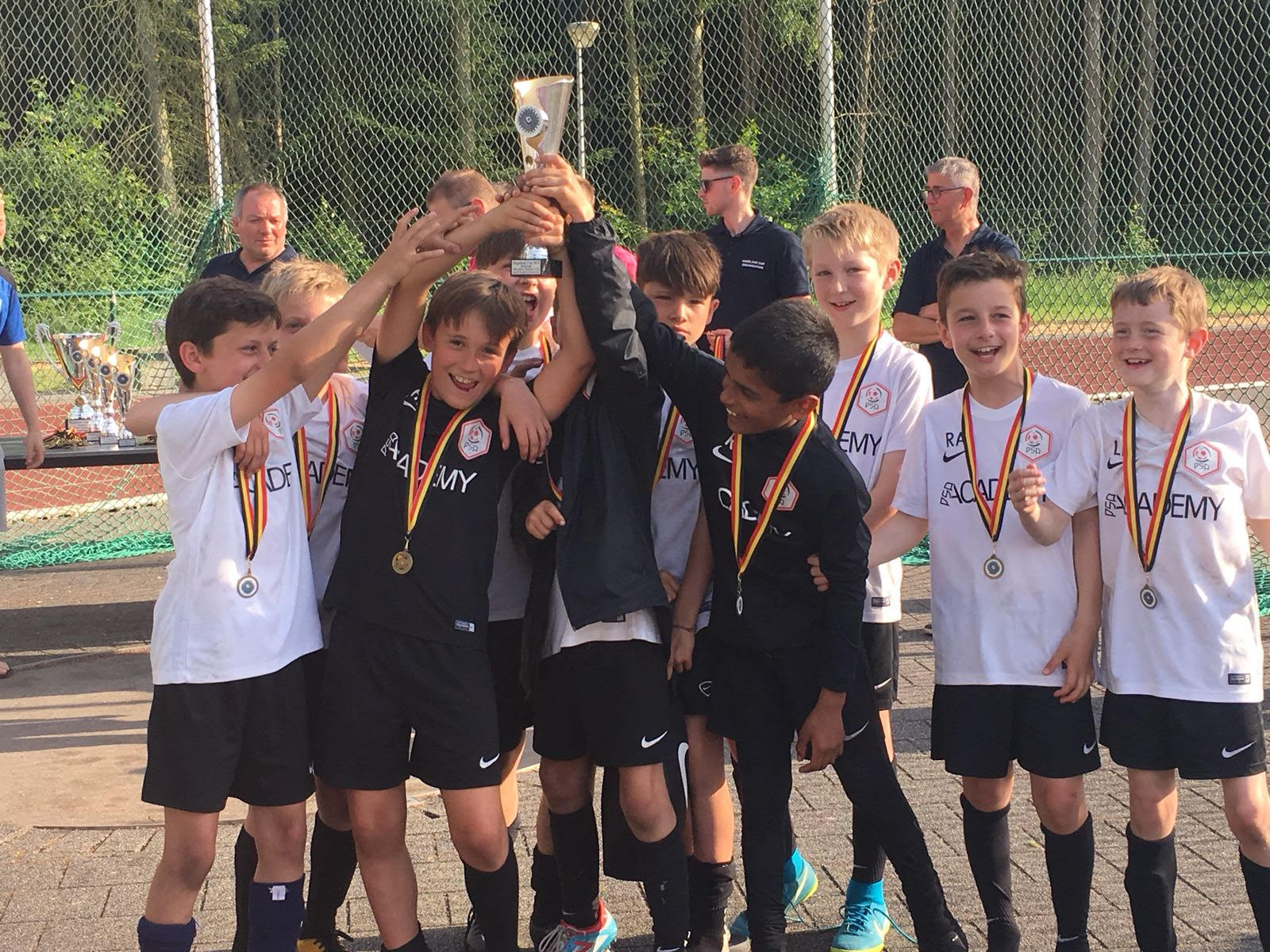 BELGIUM, MAY 2018 - WE TOOK THE U10s AND U12s AWAY AND THE BOYS HAD A FANTASTIC TOURNAMENT! AFTER THE FIRST DAY BOTH SETS OF BOYS REACHED THE FINAL 4 IN BOTH AGE CATEGORIES, AND THE U12s REACHED THE FINAL WHERE THEY LOST 2-1, AND THE U10s CAME 4TH. ANOTHER GREAT ACHIEVEMENT ABROAD!