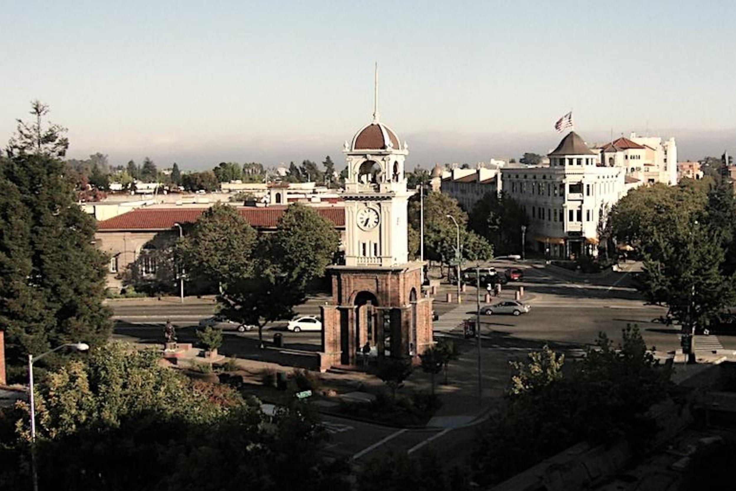 Downtown_santa_cruz_cropped.jpg