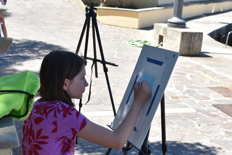 Spending time outside enjoying the Italian cities with paint and brush.