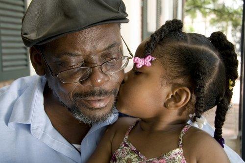 Grandpa+gets+a+kiss.jpg