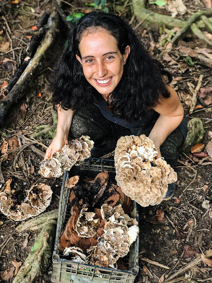 Lala_holding_Mushrooms.jpg