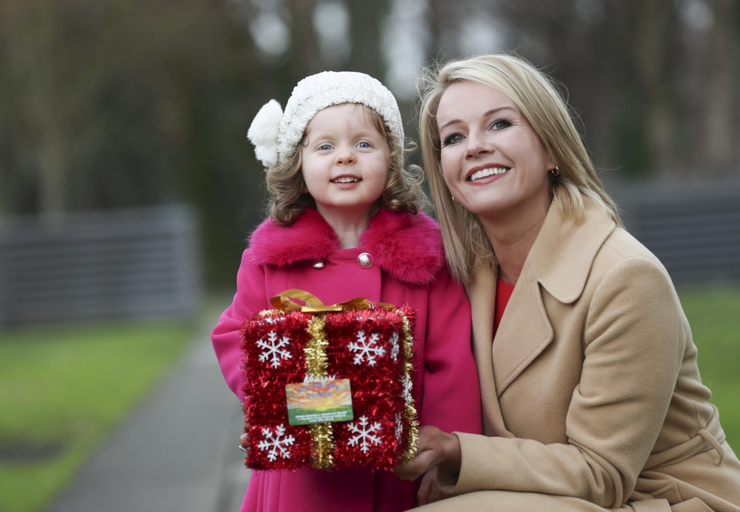 Sadhbh Browne took part in the IKAs Gift for Life Campaign at Christmas. Her lovely picture appeared in a lots of national newspapers. Well done Sadhbh.