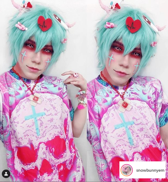 Matty Em does a lot of accessory heavy decora, fairy kei, and pastel goth looks. Sometimes he does medical themed looks too!