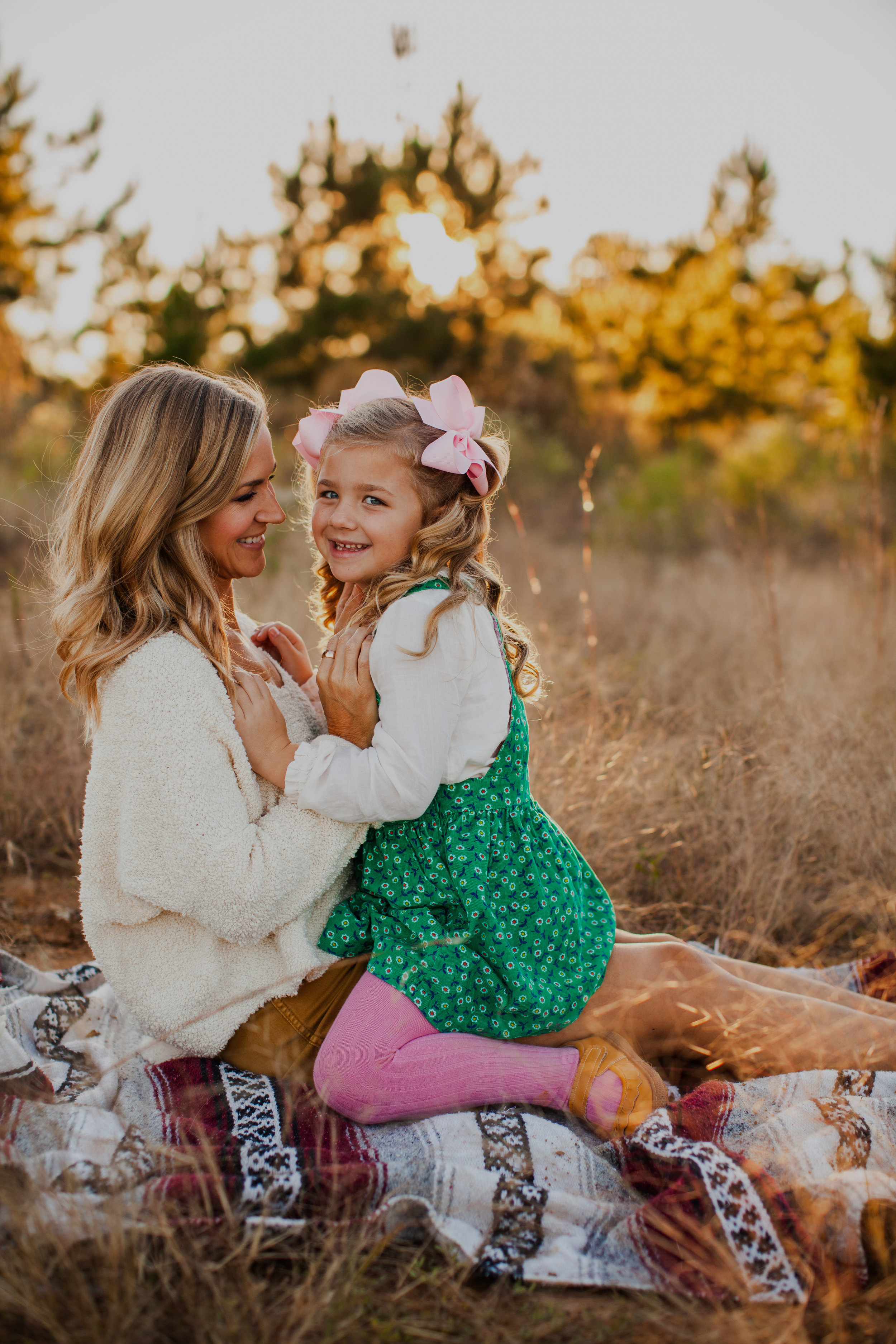 Now Booking Family Mini Sessions! - It's that time again! Fall, Family Mini Sessions are now available for October and November for Nashville, TN. For other locations price may vary. Want info?