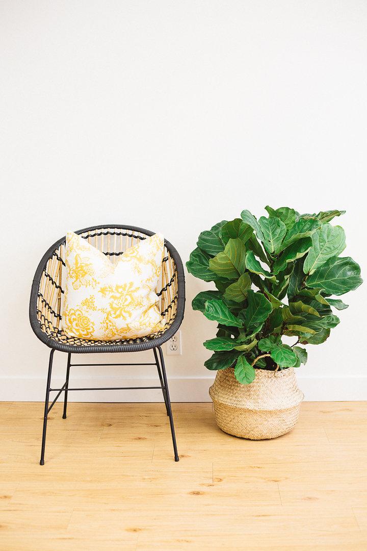 pillow-gold-vintage-floral.jpg
