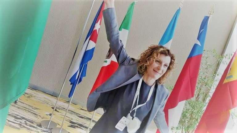 Roberta Martin - È un'imprenditrice sociale che vive a Barcellona.Roberta svolge da anni attività di accoglienza e di integrazione degli italiani che si trasferiscono in Spagna e favorisce processi di interscambio commerciale e di promozione dell'import di prodotti Made in Italy in Spagna.Ha attivato un'associazione, Desyam, a favore delle donne vittime di violenza e in fragilità economico-sociale e in stretta collaborazione con gli Stati Generali delle Donne che favorisce l'empowerment di imprenditrici attraverso la creazione di una fitta rete di relazioni.