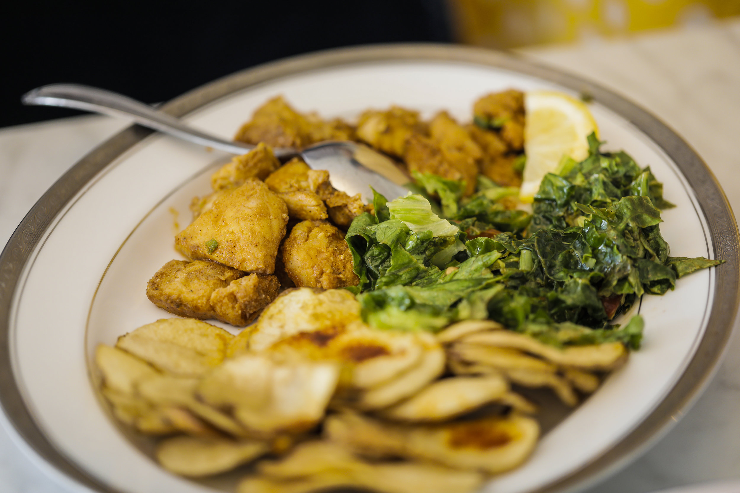 Tibsi/Kulwa: made of fish with accompanied greens and chips
