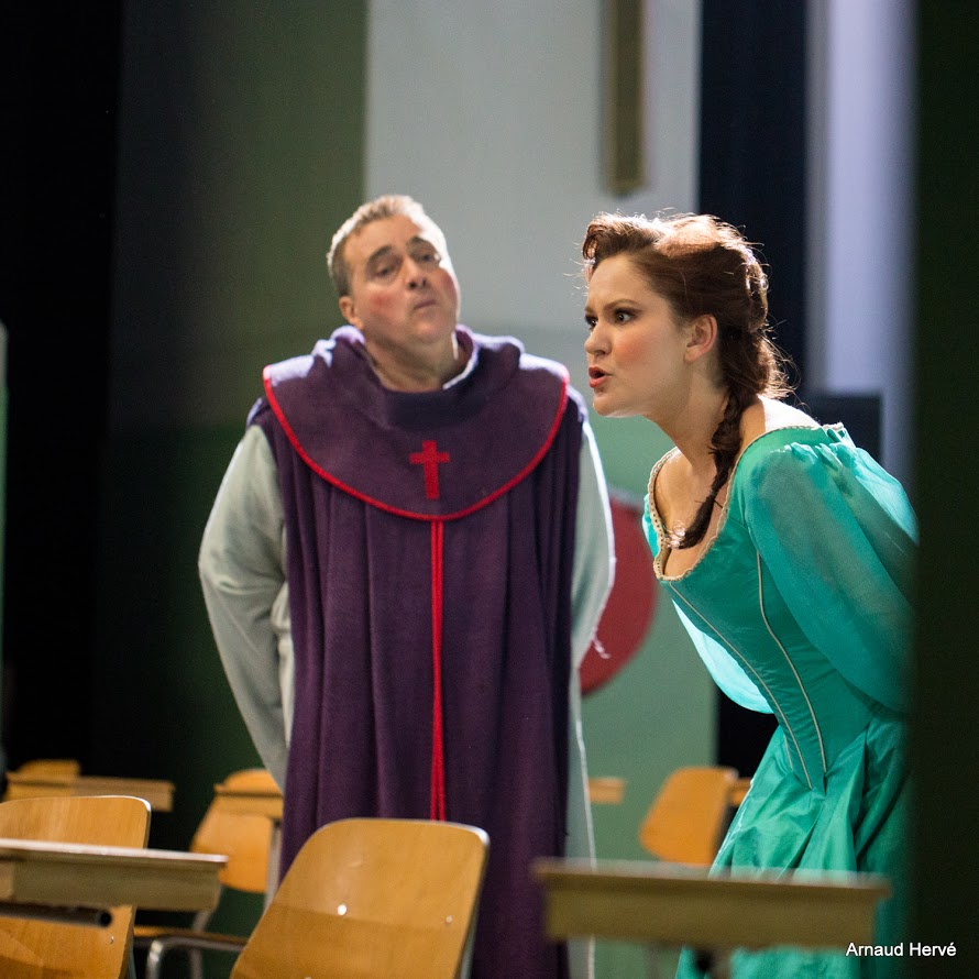 Louise, Les Mousquetaires au Couvent - Opéra de Toulon Décembre 2015.jpg