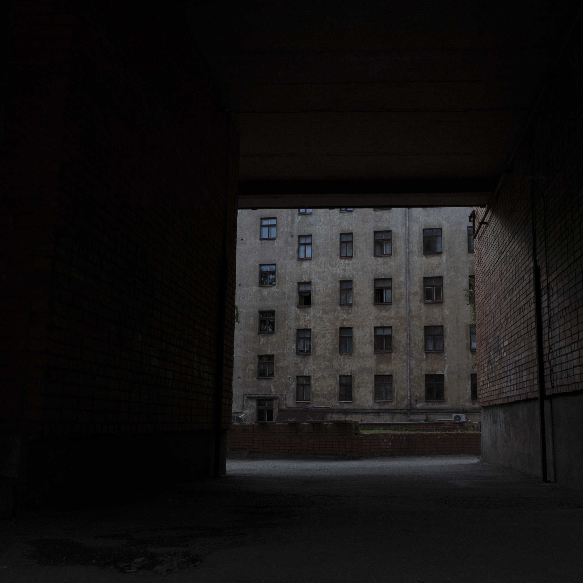 09.black.street.siluett.04.jpg