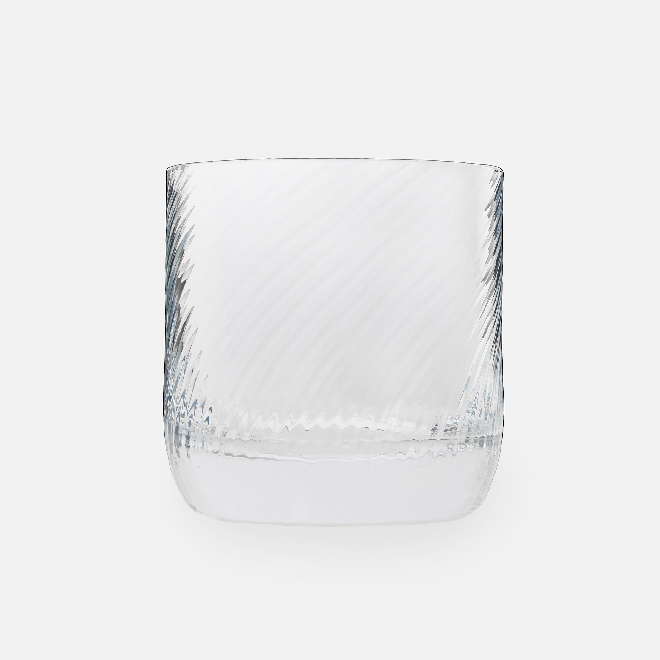 Isle of Harris Gin Glass - Made in collaboration with Wrześniak Glassworks, this carefully crafted lowball tumbler is the perfect glass from which to enjoy your Isle Of Harris Gin.