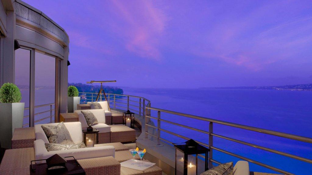 Terrace-min.jpg