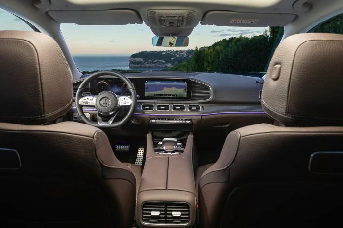 D556570-The-new-Mercedes-Benz-GLS-The-S-Class-of-SUVs.jpg