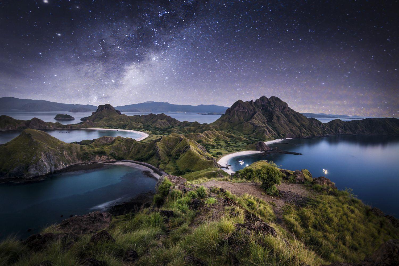padar-island-night.jpg