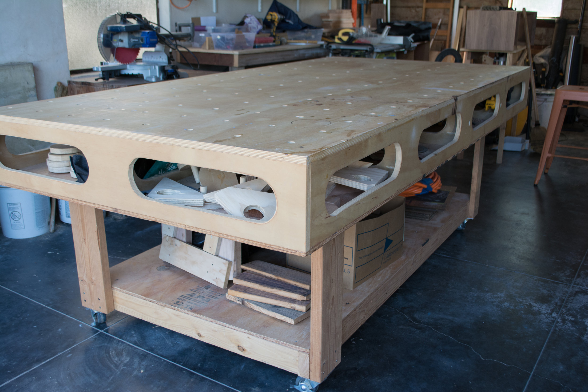 ASSEMBLY TABLE-2.jpg