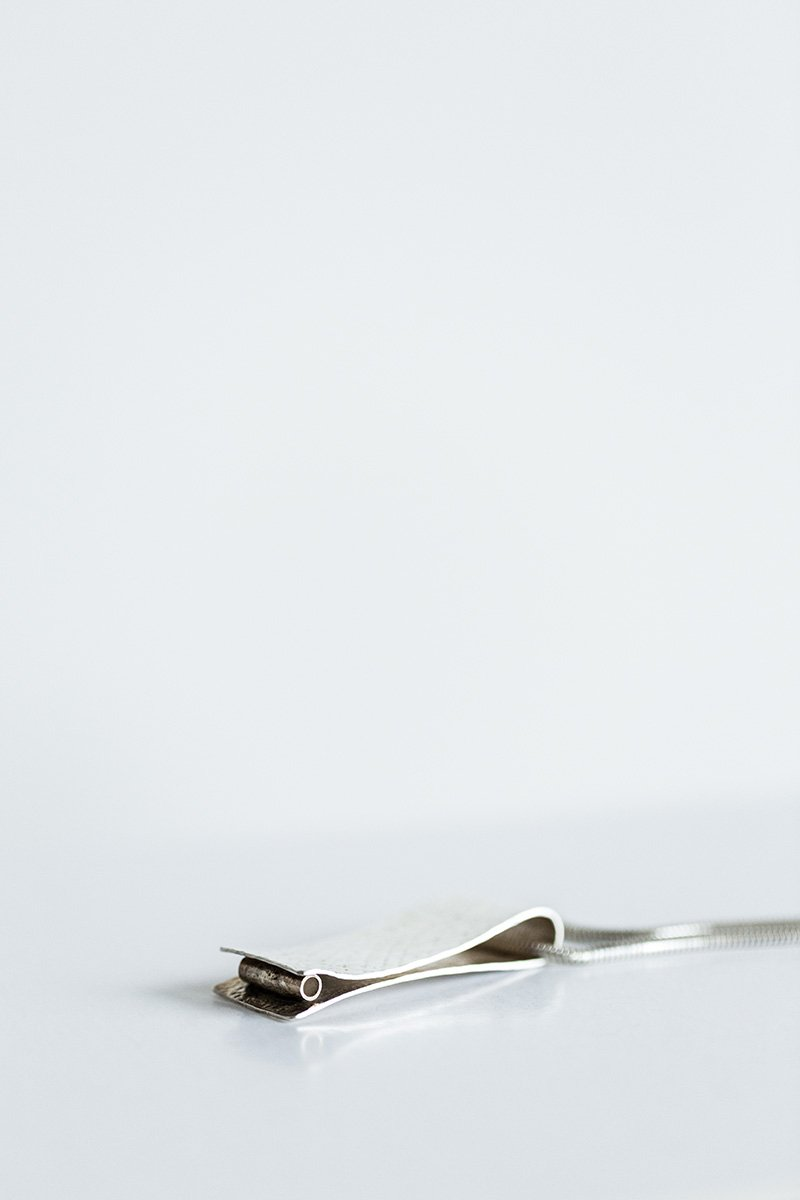 Lightly-Touching-the-Land-Necklace-by-Jill-Alexander-Contemporary-Jewellery-36-800_2048x.jpg