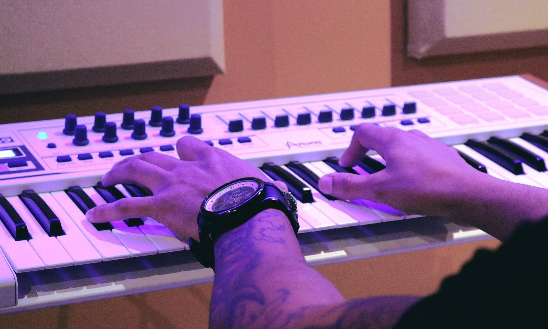 piano-1290128_1920.jpg