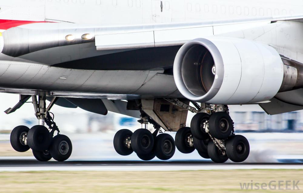 plane-landing-on-runway.jpg