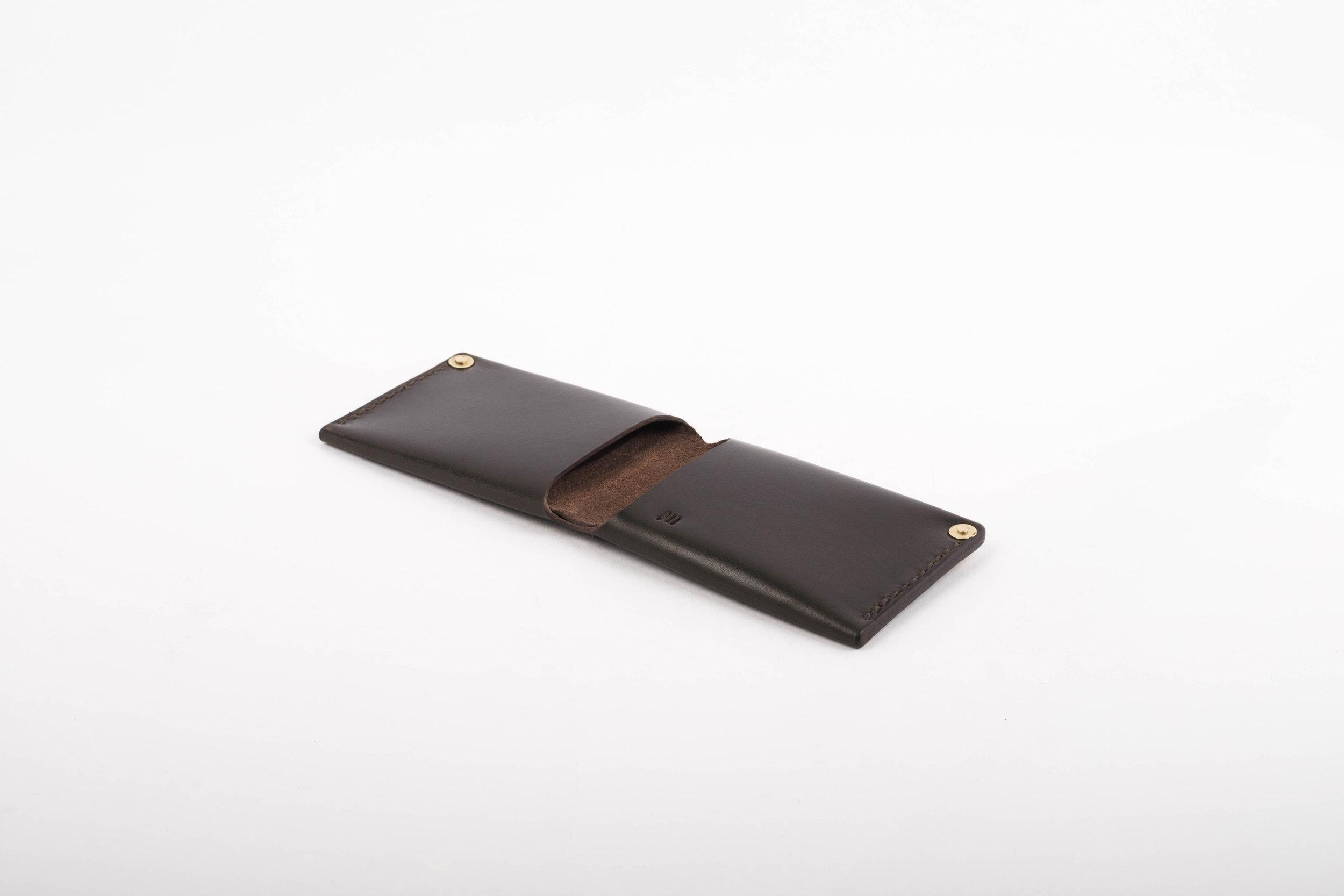 wallet.handmade.leather.black.ateliermaas.fullgrain.3.jpg