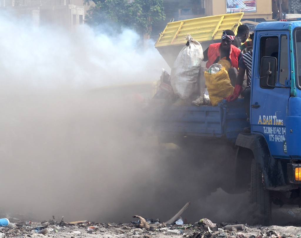 truck-dust-1024x811.png