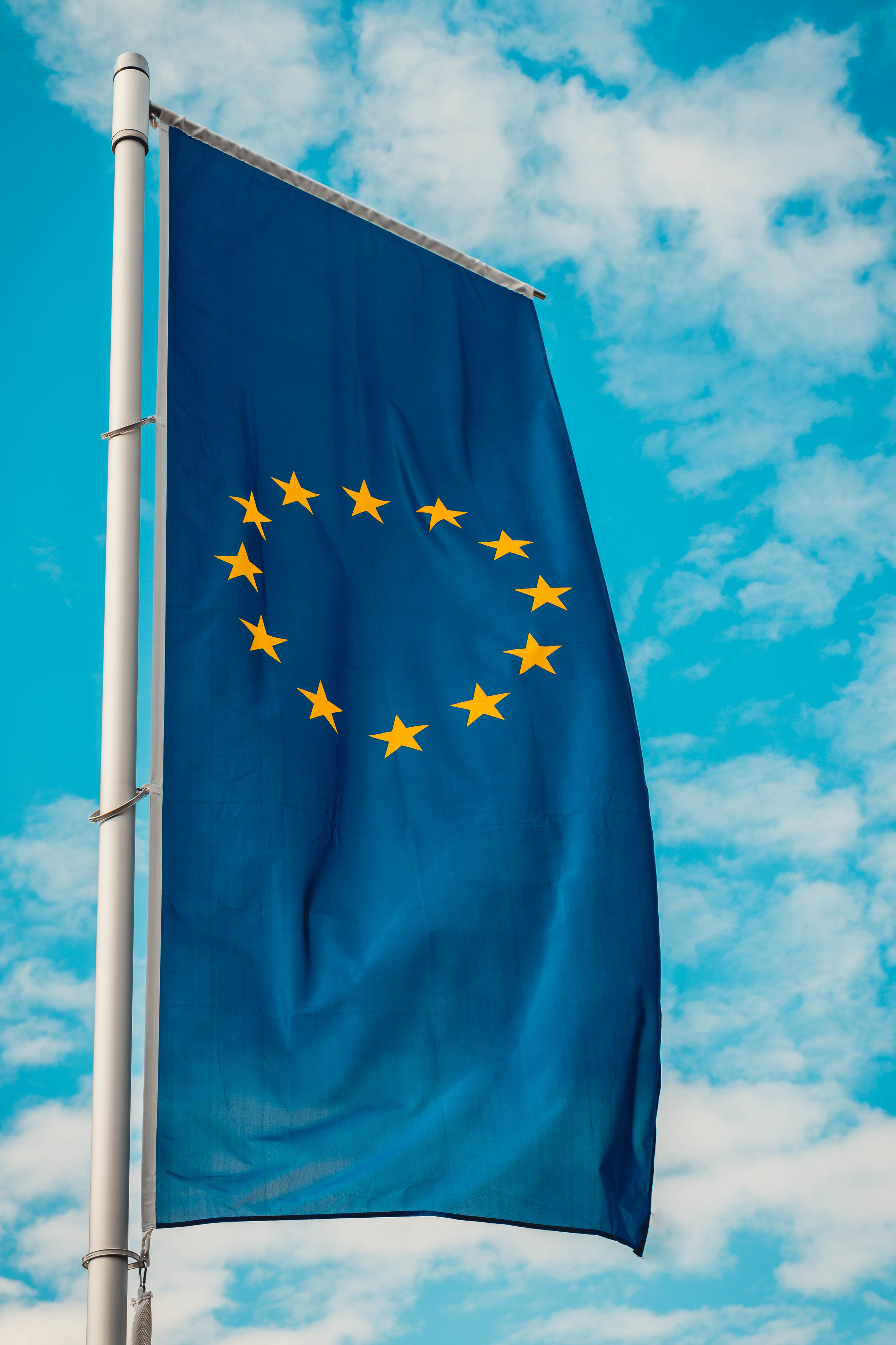 Single-use plastics ban approved by European Parliament! -