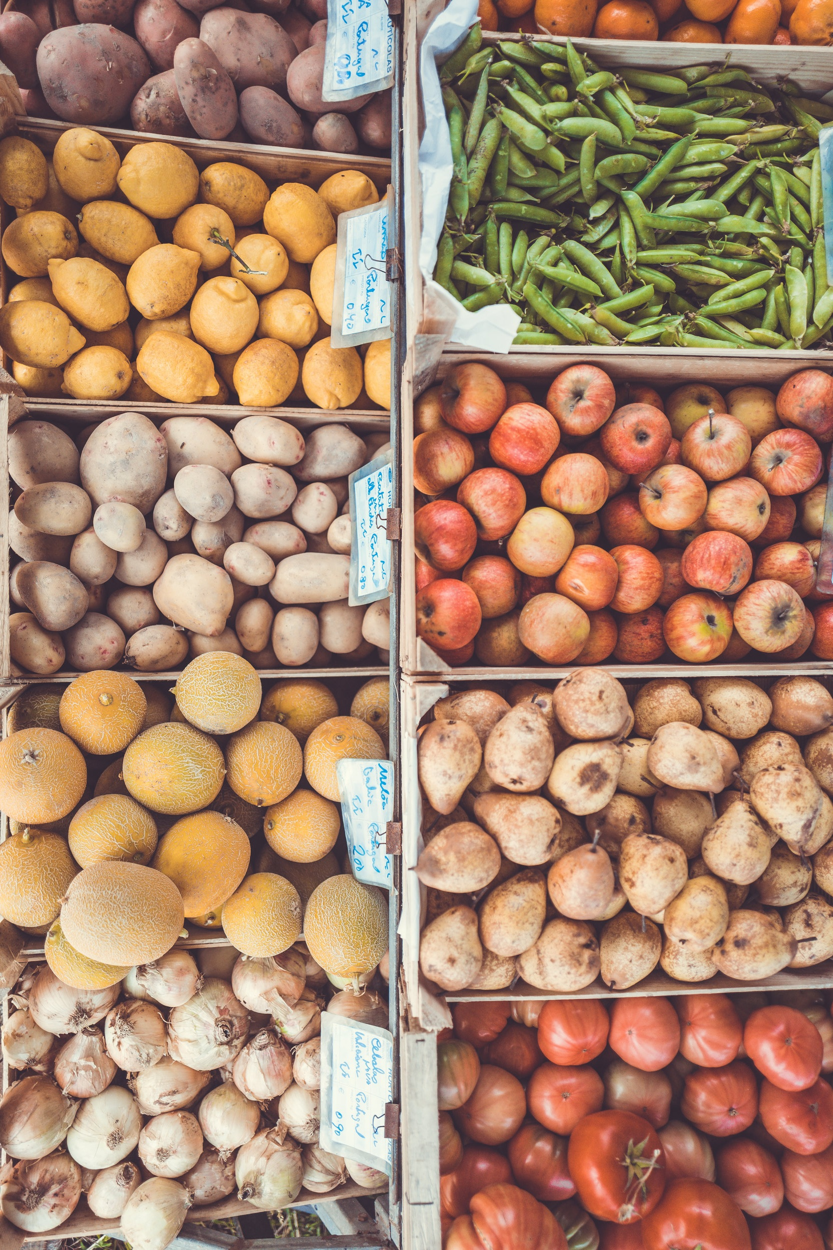 M&S to start selling loose fruit and veg in shift away from plastic -