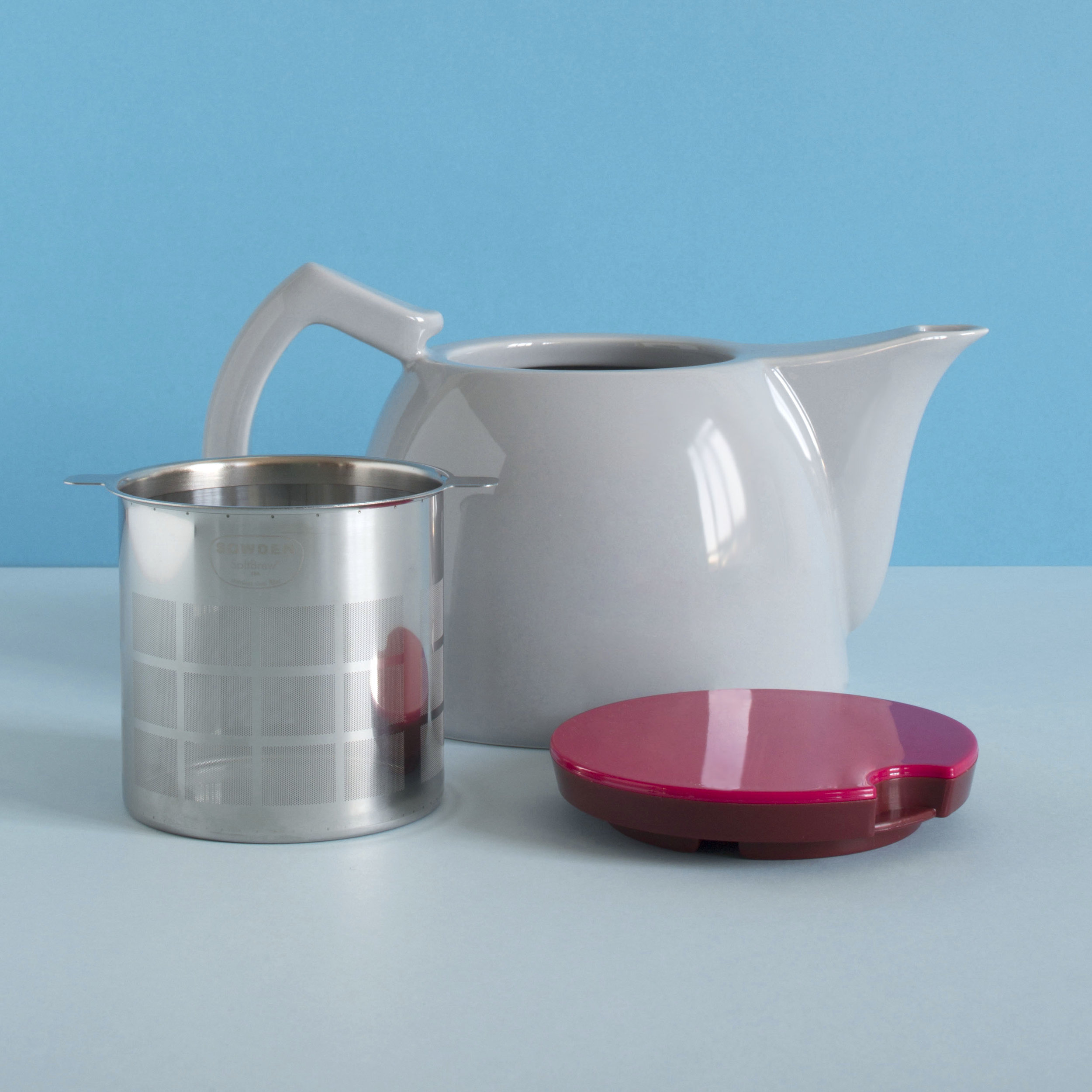 TEA - Sowden SoftBrew™ - porcelain pot, stainless steel SoftBrew™ filter and lid -