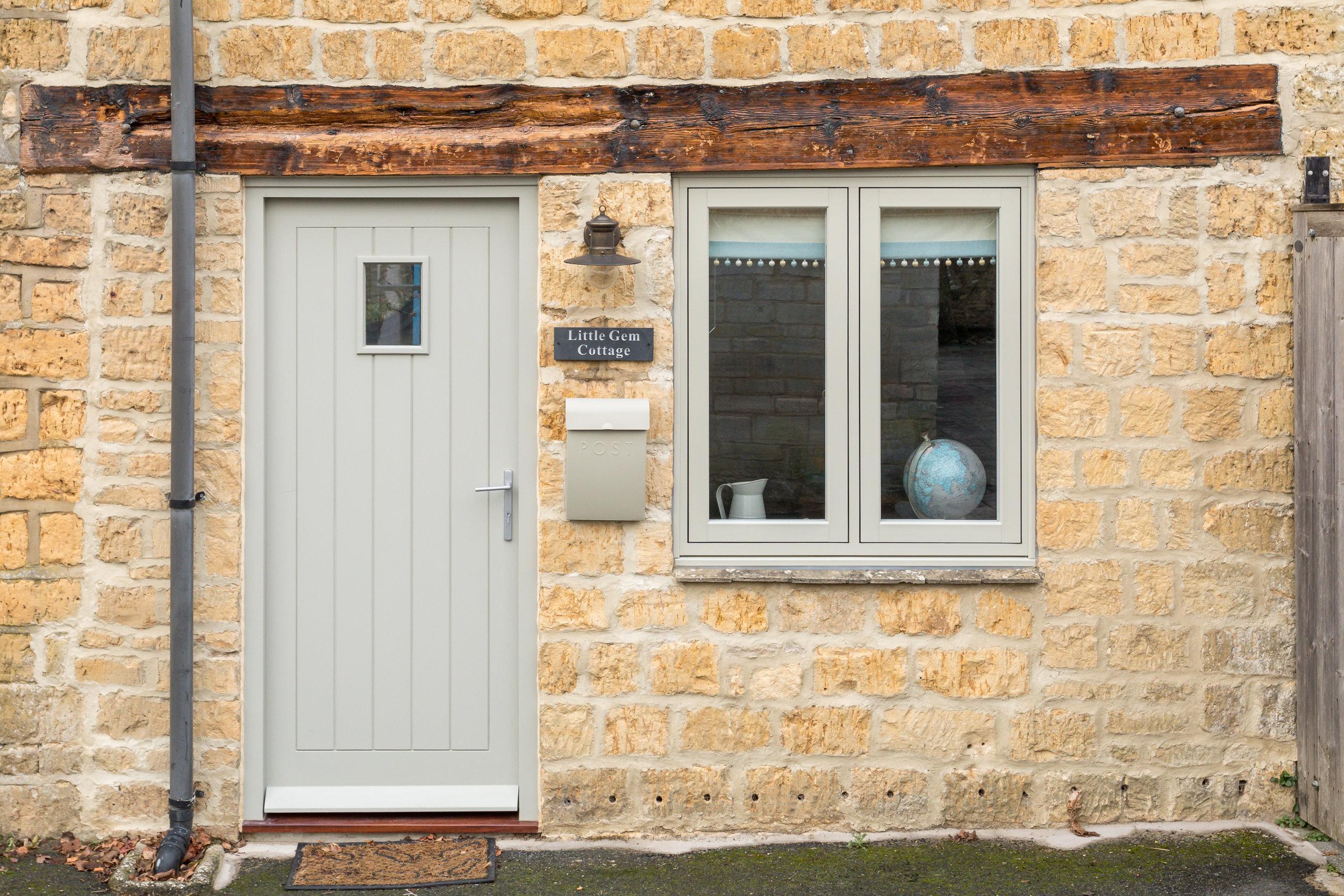2 - Little Gem Cottage - Bourton-on-the-Water - v2 - Full.jpg
