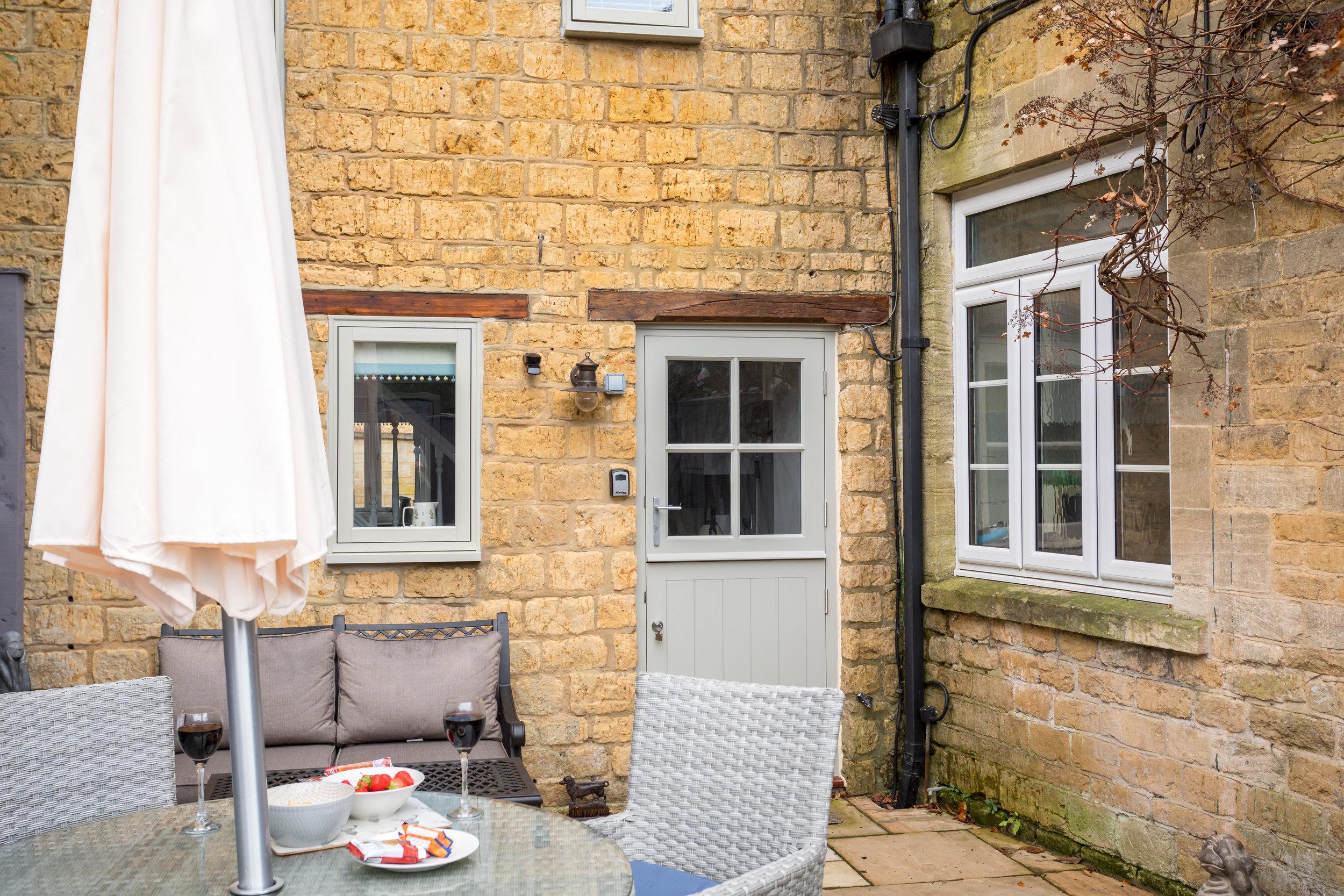 14 - Little Gem Cottage - Bourton-on-the-Water - Full.jpg