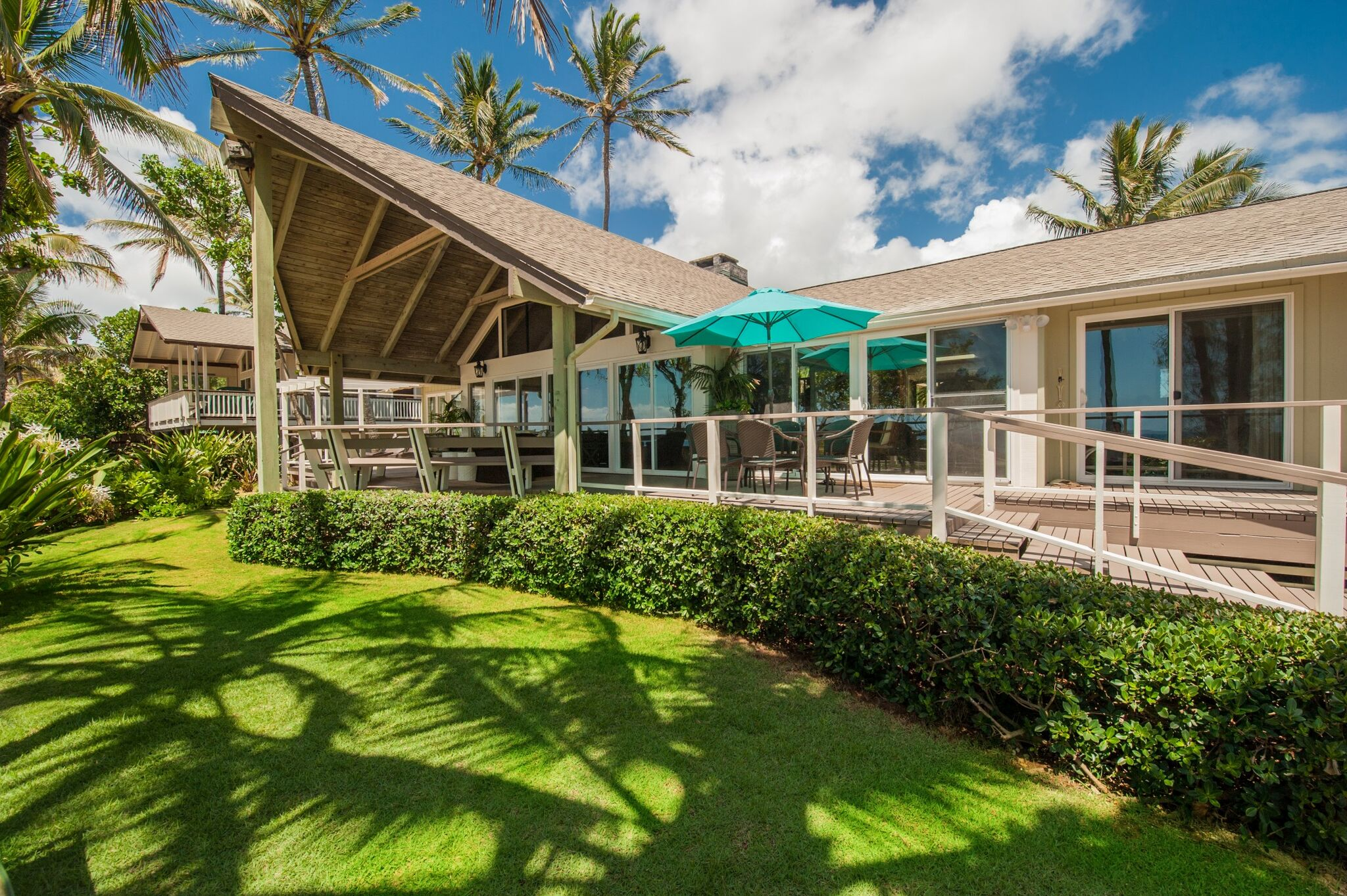 Naupaka Beachfront Dream Home - - 4 Beds- 4 Baths- 3 Garage Spaces- 2,582 Living SF- Built in 1955