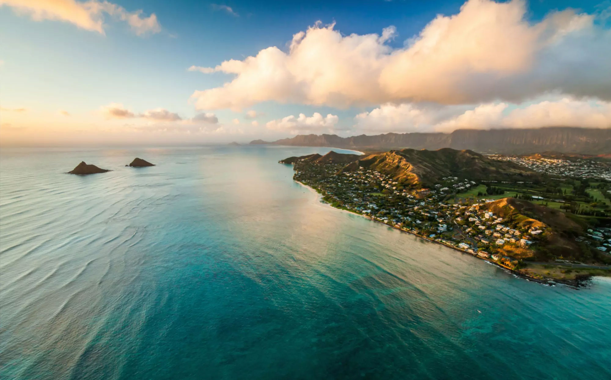 Lanikai - Lanikai is exclusively located along the shore in the scenic Kailua city, far from normal tourist attractions.